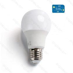 Aigostar LED Gömb izzó A60 8W E27 Hideg fehér Alkonykapcsolóval